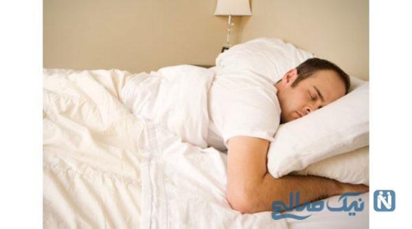 عوارض خوابیدن روی شکم