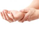 ۷ درمان خانگی و طبیعی عالی برای درد مفاصل