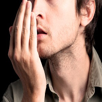 بوی دهان | تشخیص ۵ بیماری که با بوی بد دهان آشکار میشوند