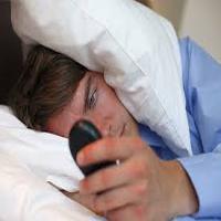 بی خوابی عامل افزایش اشتها به مصرف مواد ناسالم چربی و قند