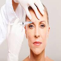 خطرات بوتاکس کردن در ناحیه پیشانی که می تواند به چشم آسیب وارد کند؟