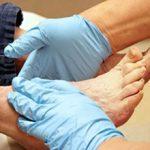 10 نشانه وجود لخته خون در پا که باید جدی گرفته شود