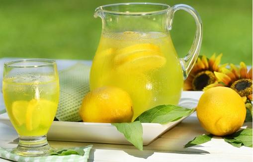 مزایای نوشیدن آب گرم با لیموترش
