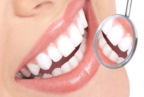 مقابله با پلاک دندان با یک دهانشویه خانگی شگفت انگیز