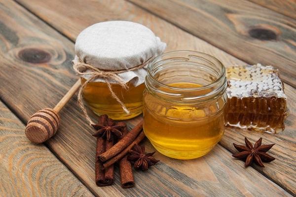 باز هم از معجزات عسل و دارچین بیشتر بدانید