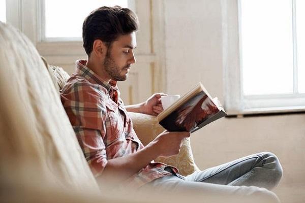 فواید چند دقیقه مطالعه در روز