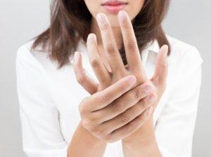 اگر انگشتان دستتان خواب می روند, بخوانید