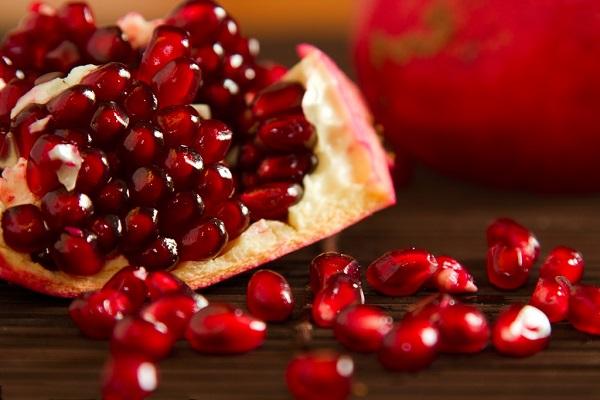 مقابله با پیری با میوه ها
