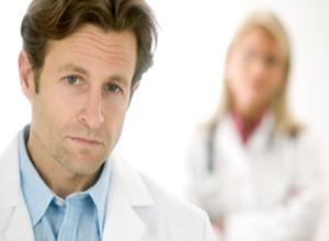 نشانههای سرطان سینه در آقایان و روش های درمانی موثر