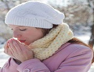 ۸ دلیل احساس سرمای دائمی در انگشتان دست