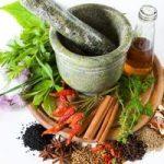 راهکارهای مقابله با بوی بد دهان با دهان شویههای طبیعی