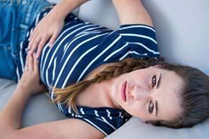 علت ایجاد درد قاعدگی و روش های تسکین درد قاعدگی