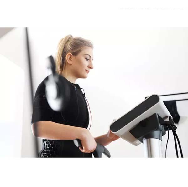 کاهش وزن و تقویت عضلات با ورزش الکتریکی EMS چقدر موثر است