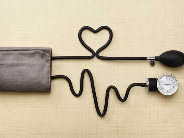 علائم بیماری فشارخون و درمان آن