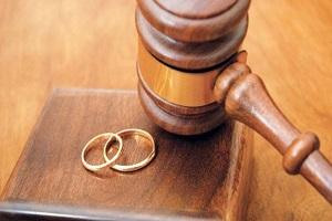 طلاق بگیرم یا فرصت هست