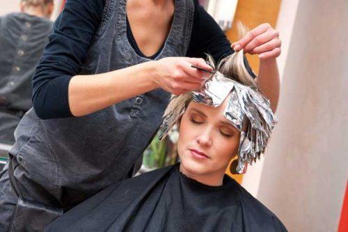 رنگ موهای شیمیایی و عوارض آن برای جنین