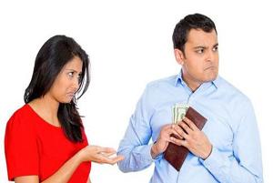 نکته هایی برای رفتار با همسر خسیس!