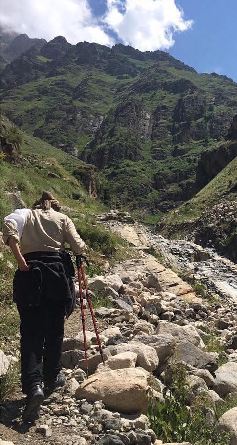 هدیه تهرانی بازیگر ۴۴ ساله و تیپش در زمان کوهنوردی!+تصاویر