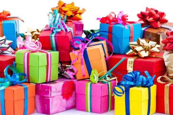 هدیه دادن در دوران نامزدی باید چگونه انجام شود؟!