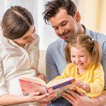 کتاب خواندن در دوران بارداری و فایده هایی که دارد!
