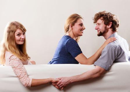 دلایل وجود نفر سوم در یک رابطه دو نفره!