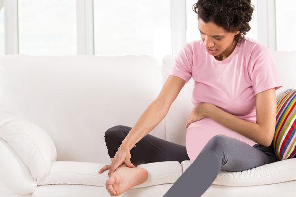 گرفتگی عضلات پا در بارداری از چه زمانی شروع و چگونه درمان میشود؟!