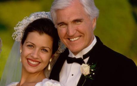 اختلاف سنی مناسب برای ازدواج ، چقدر می باشد؟!