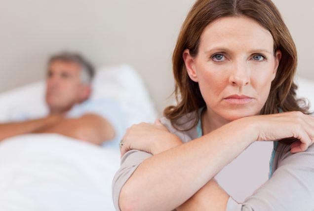 کاهش عملکرد جنسی زنان یائسه به چه عوامل دیگری بستگی دارد؟!