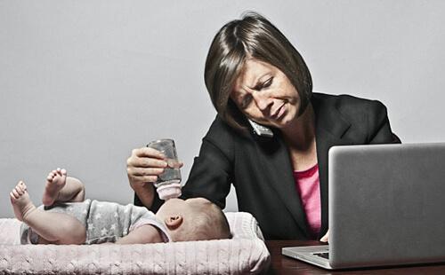 کار کردن خانم ها در بیرون از خانه چه مزایا و معایبی دارد؟!
