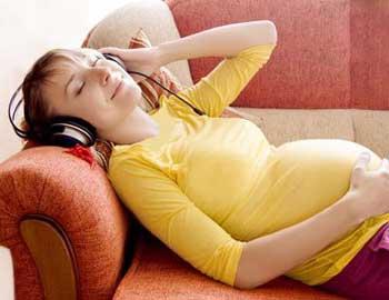 در دوران بارداري اينگونه بخوابيد