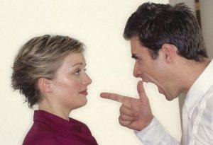 نحوه رفتار با همسر ایرادگیر و انتقاد کننده باید چگونه باشد؟!