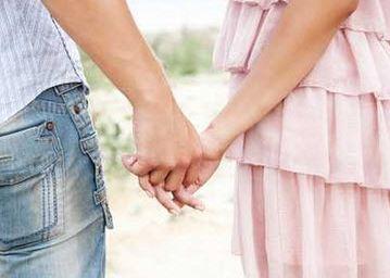 زندگی زیر یک سقف در دوره نامزدی چه تاثیری روی رابطه میگذارد؟!