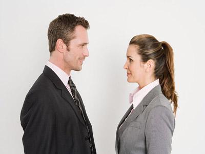 چرا مردان با زنانی غیر از همسر خودشان ، خوش برخوردتر هستند؟!