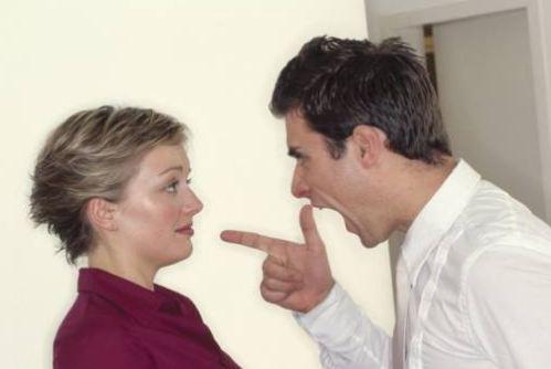 اگر به گذشته همسرتان خیلی فکر می کنید ، این مطلب را بخوانید!