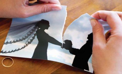 داشتن حق طلاق