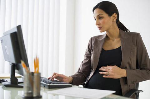 بارداری زنان کارمند