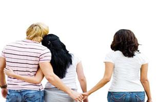 چهار سوال برای خانم هایی که نامزد خود شک دارند!