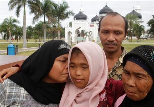 پیدا شدن معجزه آسا دختر ۴ ساله بعد از ۱۰ سال + تصاویر