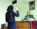 دستگیری زنی که عکسهای مبتذل از خودش منتشر میکرد