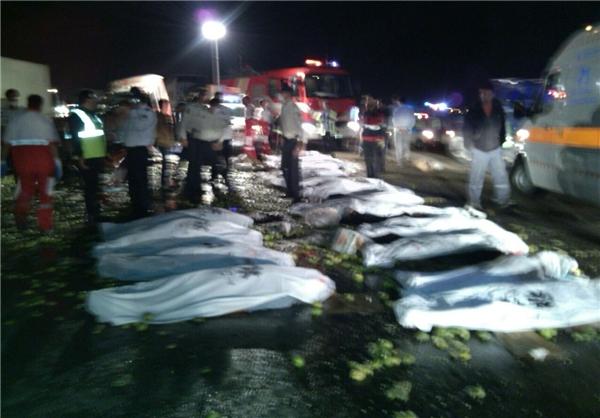 جزئیات حادثه خونین و هولناک جاده قم ـ تهران با ۲۰ کشته + تصاویر