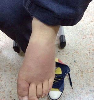 تنبیه ظالمانه کودک ۹ ساله به خاطر ندانستن ماجرای داستان پینوکیو! + تصاویر