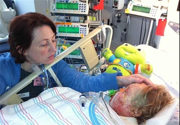 جدال کودک سه ساله با مرگ / آنتیبیوتیک حادثه آفرید + تصاویر