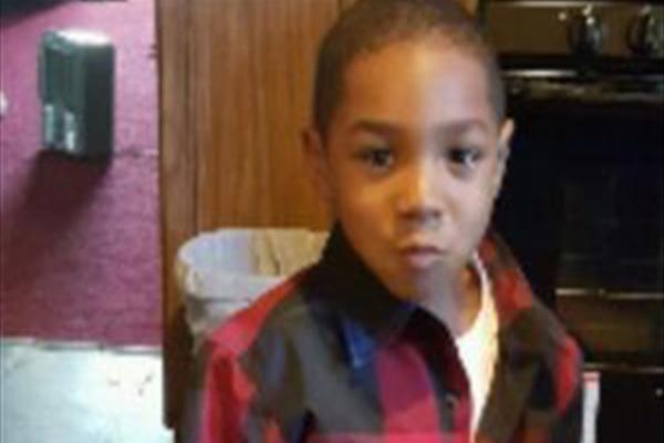 پسر ۴ ساله سه روز با جسد مادرش زندگی کرد + عکس