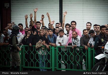 قاتل بیرحم ساری در ملاء عام اعدام شد / قتل همسر پس از کشتن برادر و داماد + تصاویر