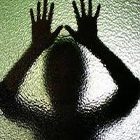 شکنجه و تجاوز دختر نوجوان توسط مرد همسایه با دست های بسته + عکس