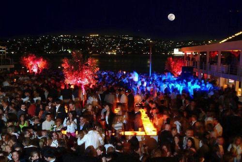حمله به باشگاه شبانه در استانبول
