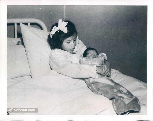 جوان ترین مادر دنیا
