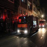 ساختمان ۷ طبقه در مرتضی گرد پس از آتش سوزی فرو ریخت