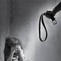 ضربات شلنگ بر بدن کودک ۷ ساله به جرم گفتوگو با پدرش