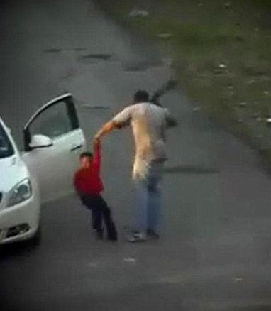 ضرب و شتم وحشیانه کودک 7 ساله